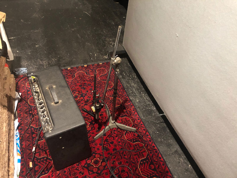 Guitar mic up in ISO room